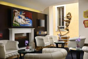 Hotel The First Luxury Art Hotel Roma, Rome