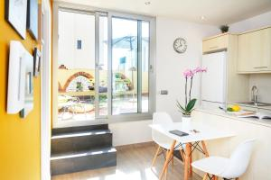 Vila i Vilà Studio with Terrace (2 Adults)