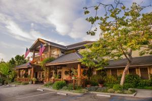 Photo of Cambria Pines Lodge
