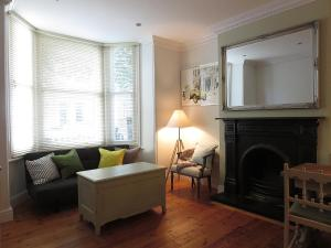 Clapham - magnificent new two-bed flat with private garden in Clapham, Greater London, England