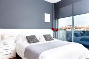 Two-Bedroom Apartment - Bilbao 11