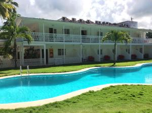 Photo of Las Cayenas Beach Hotel