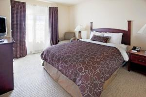Two-Bedroom Suite with Roll-In Shower - Disability Access