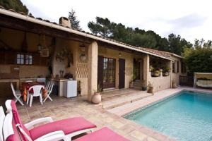 Photo of Villa In Le Castellet