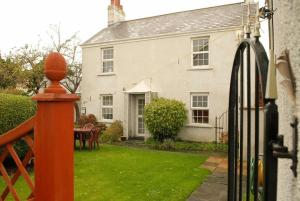 Grey House Bed and Breakfast in Bristol, Gloucestershire, England