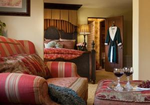 Deluxe Queen Suite ( 2nd Floor )