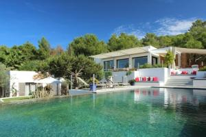 Villa in Cala Tarida VI