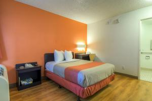 Standard Room - Disability Access (No Resort Fees)