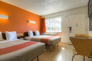 Standard Double Room with Two Double Beds (No Resort Fees)