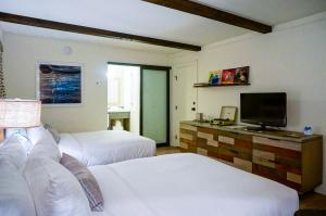 Deluxe Double Room with Two Double Beds - Accessible