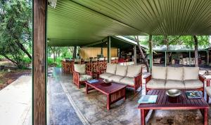 Tented camp de lujo Mantoberi