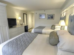 Double Room with Two Double Beds - Non Ocean View