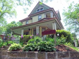 Photo of Victorian Dreams Bed And Breakfast