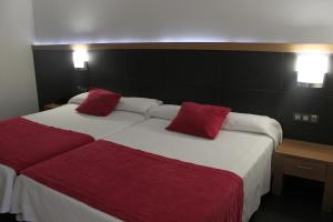 Triple Room (2 Double Beds)