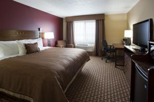 Queen Room - Handicap Accessible