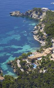Photo of Hotel Petit Cala Fornells