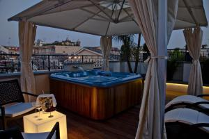 Suite with Hot Tub and View