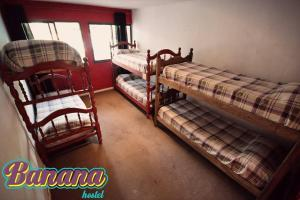 Single Bed in 6-Bed Dormitory Room with Private Bathroom