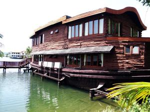 Photo of Koh Chang Boat Chalet