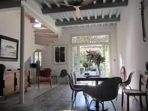 Photo of Arles Charming Townhouse