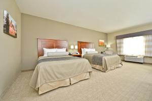 Queen Room with Two Queen Beds - Disability Access/Bath Tub