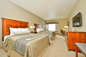 Queen Suite with Two Queen Beds - Disability Access/Bath Tub