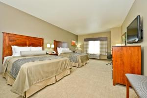 Queen Suite with Two Queen Beds and Sofa Bed