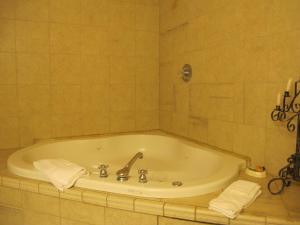 King Room with Spa(2)