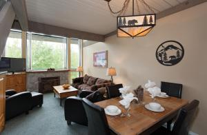 One-Bedroom with Loft Apartment - Unit 318