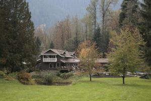 Photo of Eagle Valley Retreat