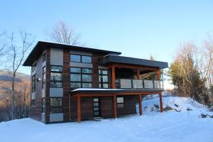 Three-Bedroom Chalet - 55 Chemin des Appalaches
