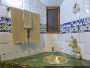 Kasbah Dar Daif, Bed & Breakfasts  Ouarzazate - big - 8