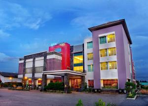 Photo of Aston Tanjung City Hotel