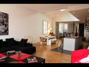 Photo of Charmant Loft Quai Des Chartrons