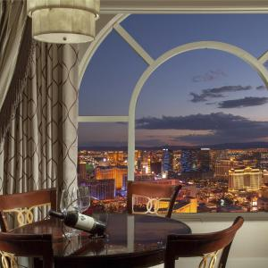 Venetian Luxury View Suite with a King Bed