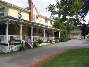 Photo of Shining Waters Country Inn