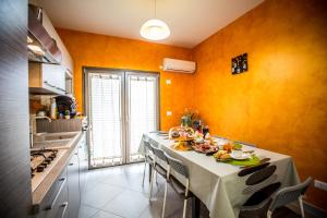 B&B Pepito, Bed and breakfasts  Cefalù - big - 45