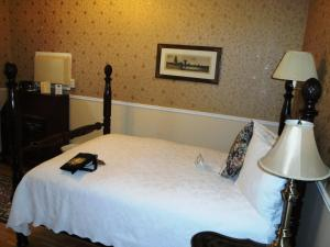 Traditional One Double Room