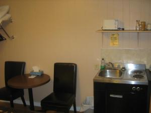 Queen Room with Kitchenette