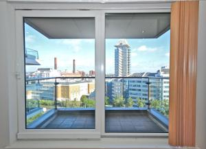 FG Apartments - Chelsea, Imperial Wharf, Apartment 37 in London, Greater London, England