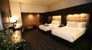 Catfish - Double Room with Two Double Beds