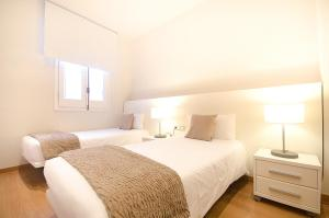 Three-Bedroom Apartment - Paseo de Gracia 32