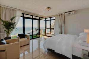 Luxury Suite with Sea View - Tanzanite