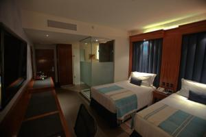 Twin Room with Golf View