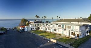 Photo of Tides Oceanview Inn And Cottages