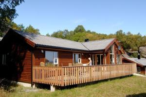 Photo of Four Bedroom Holiday Home In Nedstrand 8