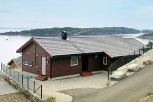 Photo of Five Bedroom Holiday Home In Nedstrand 3