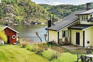 Photo of Four Bedroom Holiday Home In Sanddal