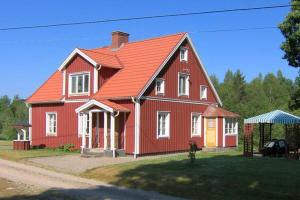 Photo of Four Bedroom Holiday Home In Alvesta