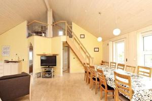 Three-Bedroom Holiday home in Tarm 2, Dovolenkové domy  Hemmet - big - 7